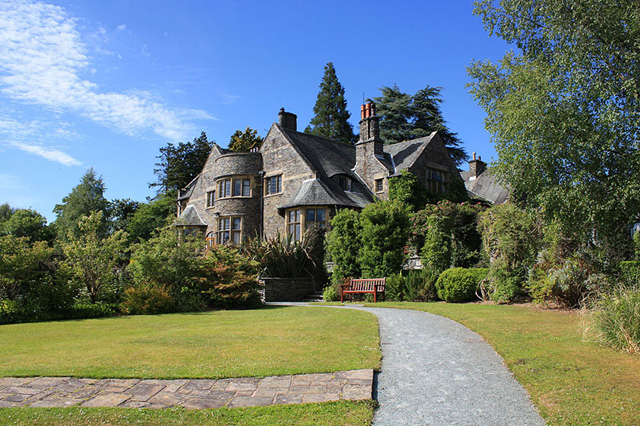 The Cragwood Country House
